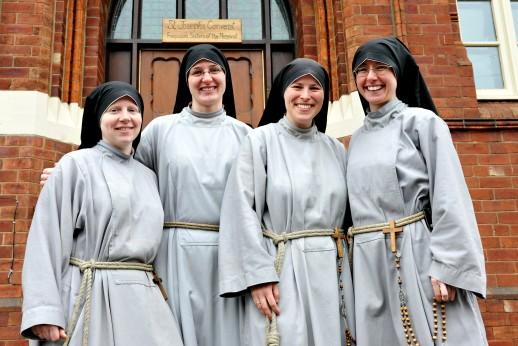 Zuster Jacinta, Kruispunt TV, Jonge nonnen