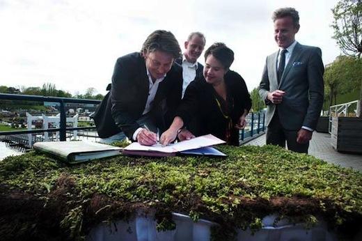 Ondertekening Green Deal met tv-tuinman Lodewijk