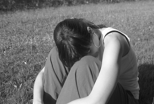 Vrouw, triest, alleen