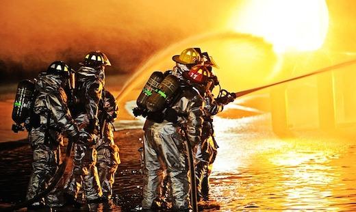 Brandweermannen, brand blussen