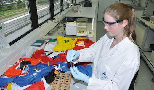 TÜV Rheinland onderzoekt voetbalshirts