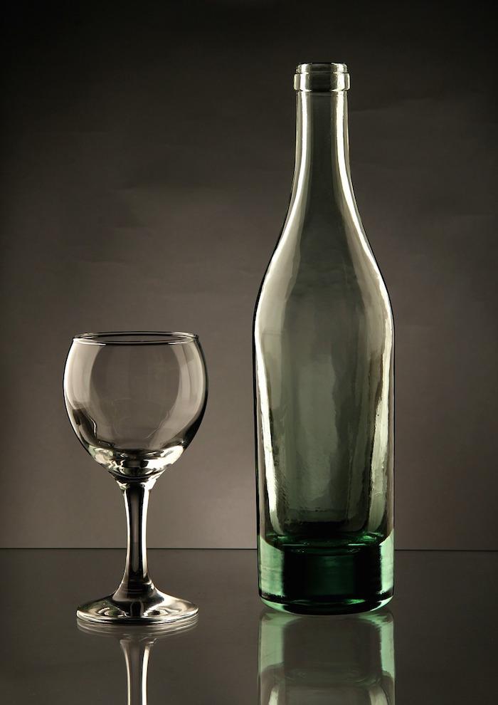Leeg fles wijn glas