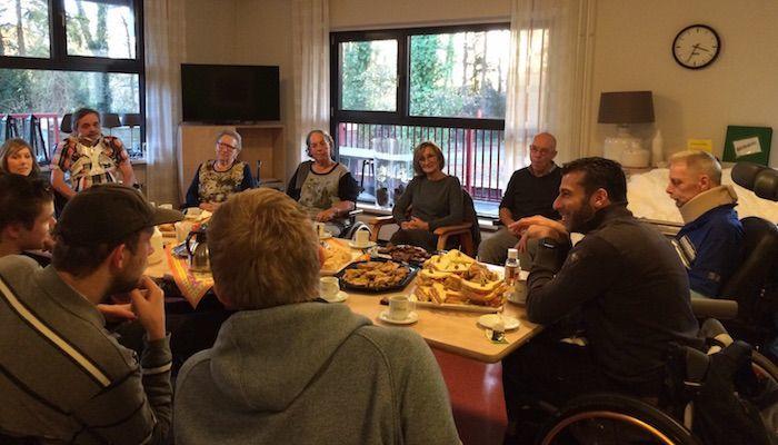 Marc de Hond bezoekt dwarslaesie patiënten in Roessingh