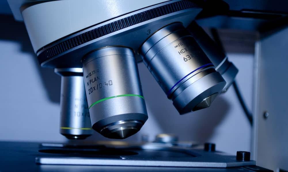 microscoop-filmen-ontstaan-aidsvirus